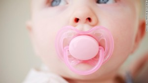 120430040327-baby-infant-pacifier-breast-feeding-story-top-1
